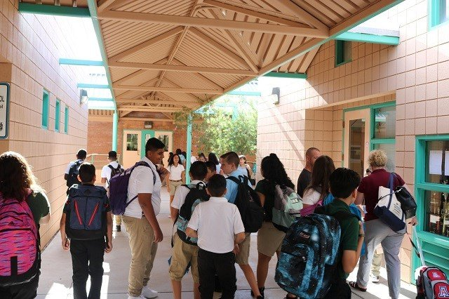 Dodge is starting to fill up with students ready to go #Back2School; TUSD photo
