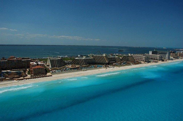 Cancun, Los Cabos Violence Cited in US Tourism Warning