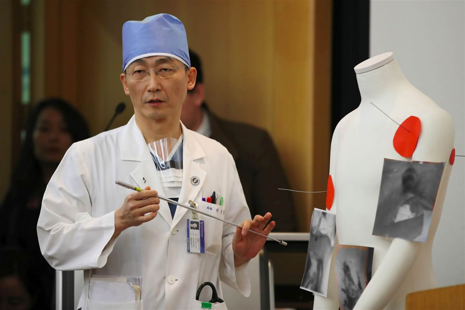 South Korean doctor Lee Cook-Jong speaks about the condition of the defecting soldier.