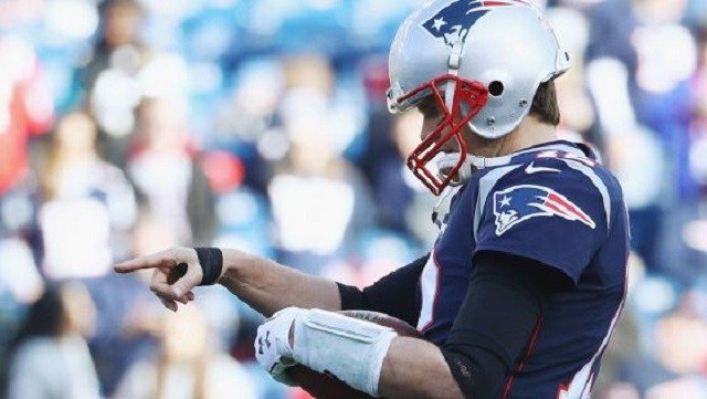 Tom Brady playing through injury no big deal to Bill Belichick