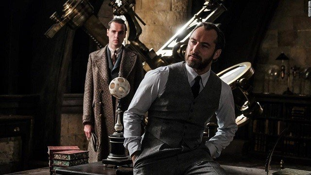 Dumbledore Won't Be 'Explicitly Gay' In Fantastic Beasts Sequel