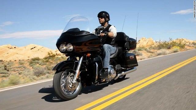 Harley-Davidson, Inc. (NYSE:HOG) Continuing to Trade Below Moving Averages