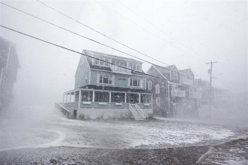 Bomb cyclone nor'easter pummels East Coast with strong winds, rain
