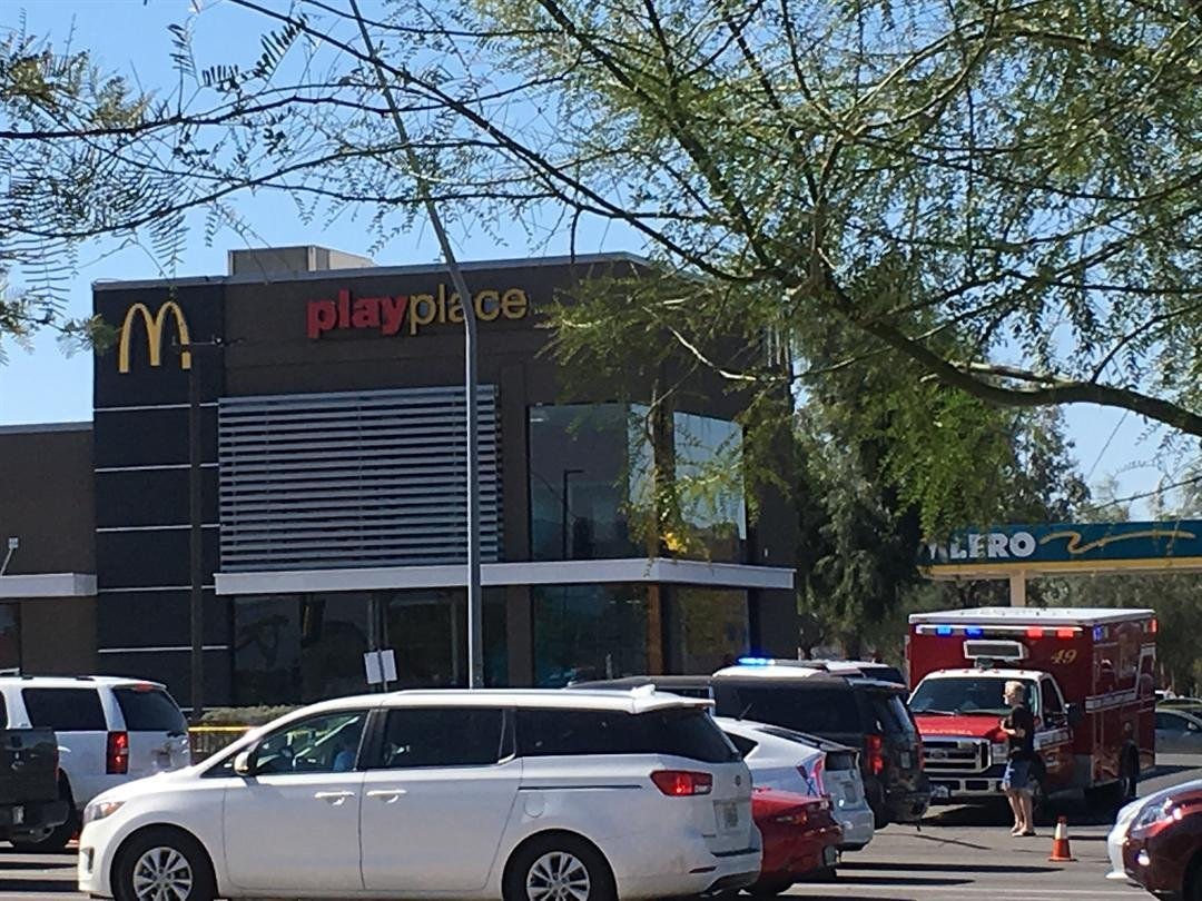 Picture from the scene of a serious injury collision at McDonalds on Kolb and Tanque Verde.