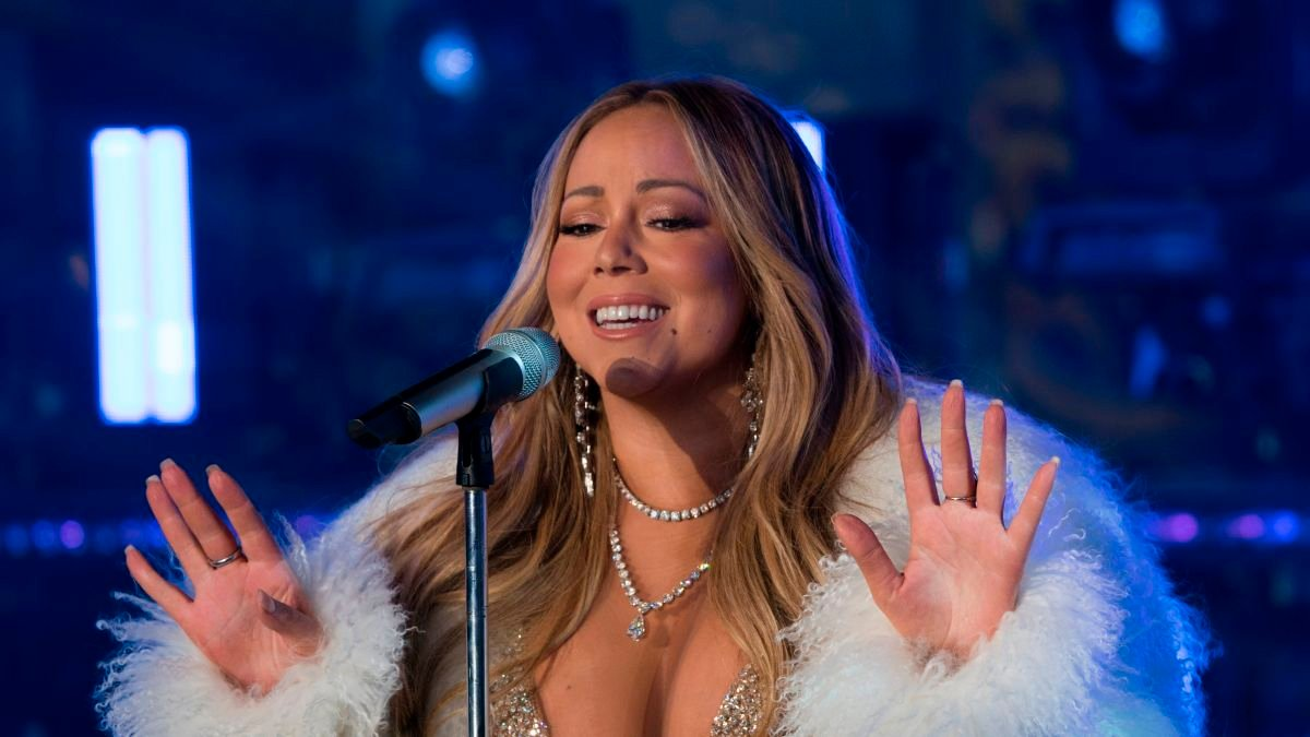 Mariah Carey reveals 'heavy burden' of bipolar disorder