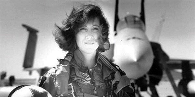 Navy pilot Tammie Jo Shults in a photo from the 1990s.Courtesy of Linda Maloney / Photo via NBC News