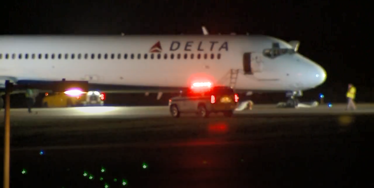 Delta Cabin Fills With Smoke, Passengers Evacuated