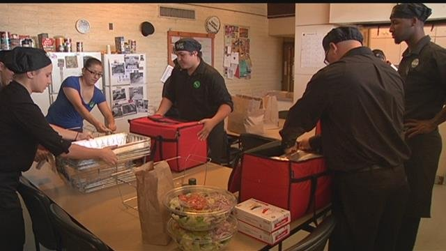 Olive Garden Delivers Meals To Tucson Firefighters Kvoa