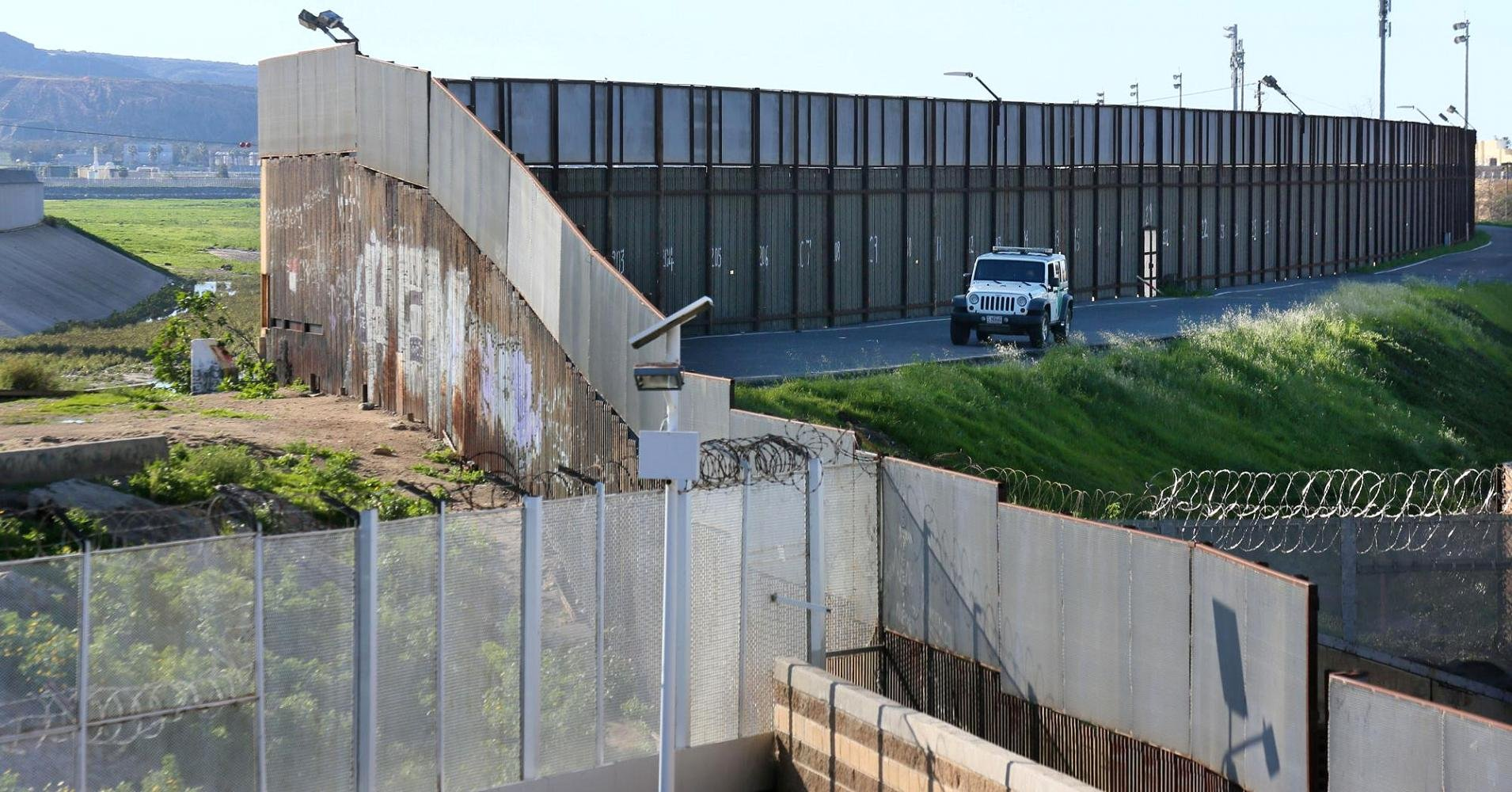 See Through Concrete Dhs Seeks Designs For See Through Section Of Trumps Wall Kvoa